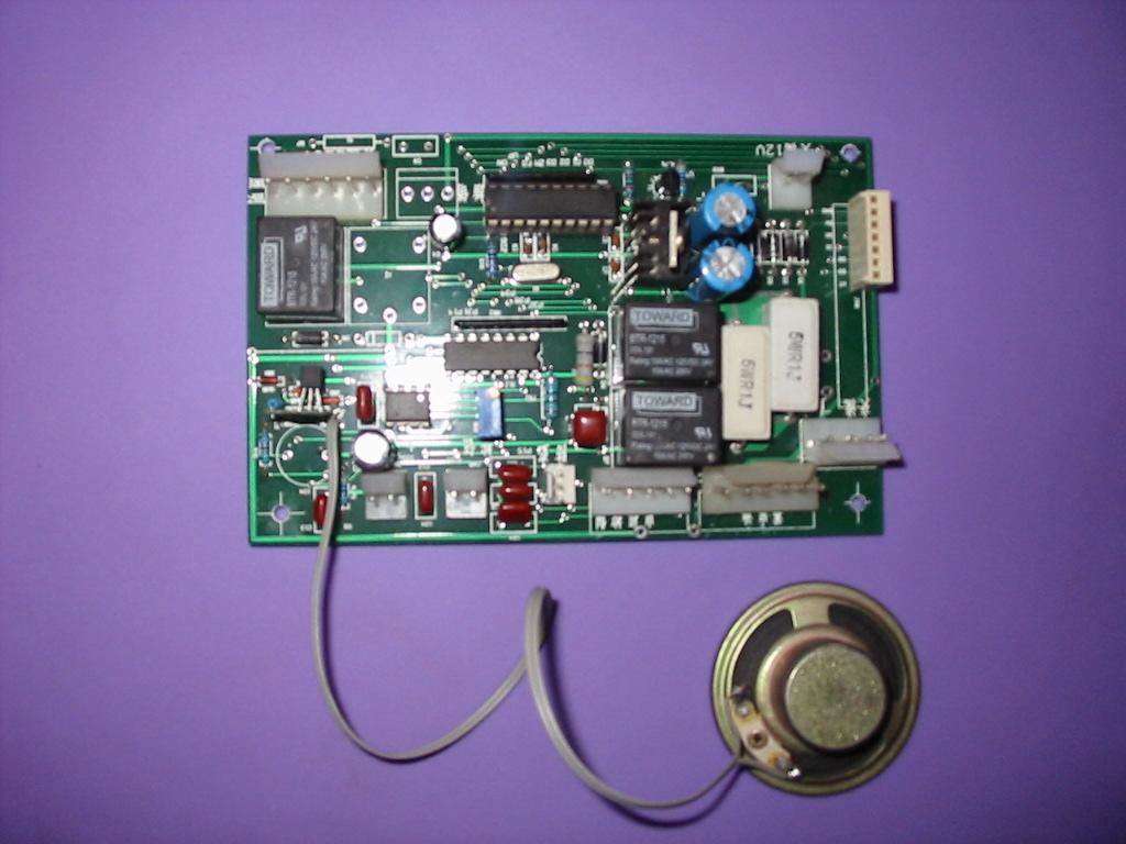 用于遥控卷帘门的控制线路板