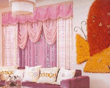 客厅窗帘布置要点 令您寒冷季节倍感温馨
