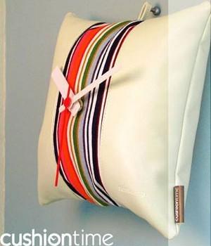 抱枕艺术时钟 彰显个性与品味的时尚家居
